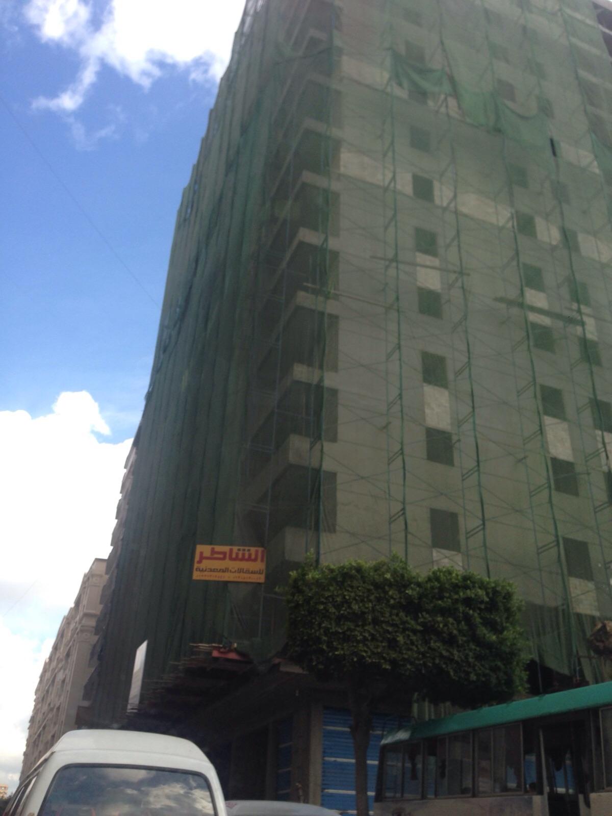 عقارات مخالفة بالإسكندرية.. ومواطنون: حي وسط هايتسبب في موتنا