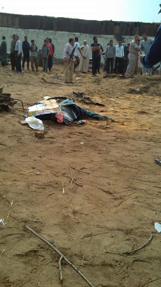 صور انفجار سيارة مفخخة في أبو كبير بالشرقية