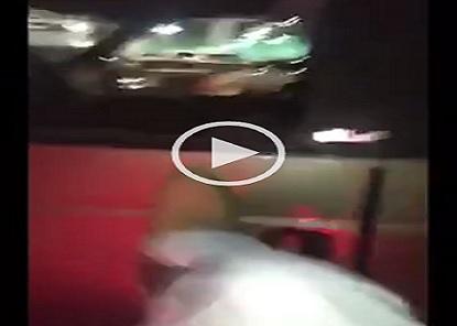 ▶| بالفيديو.. سعودي يهشم سيارة مصري.. ويتفاخر: «أيوة أنا كسرتها وبلعن والدك يا حيوان»