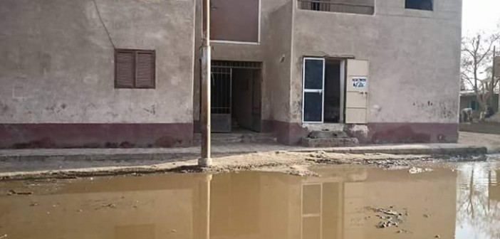 بالصور.. قرى مركز الواسطى في بني سويف خالية من شبكات الصرف