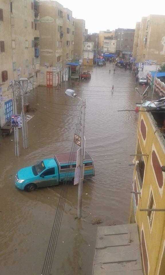 📷| بالصور.. مياه الأمطار تغمر برج البرلس في كفر الشيخ