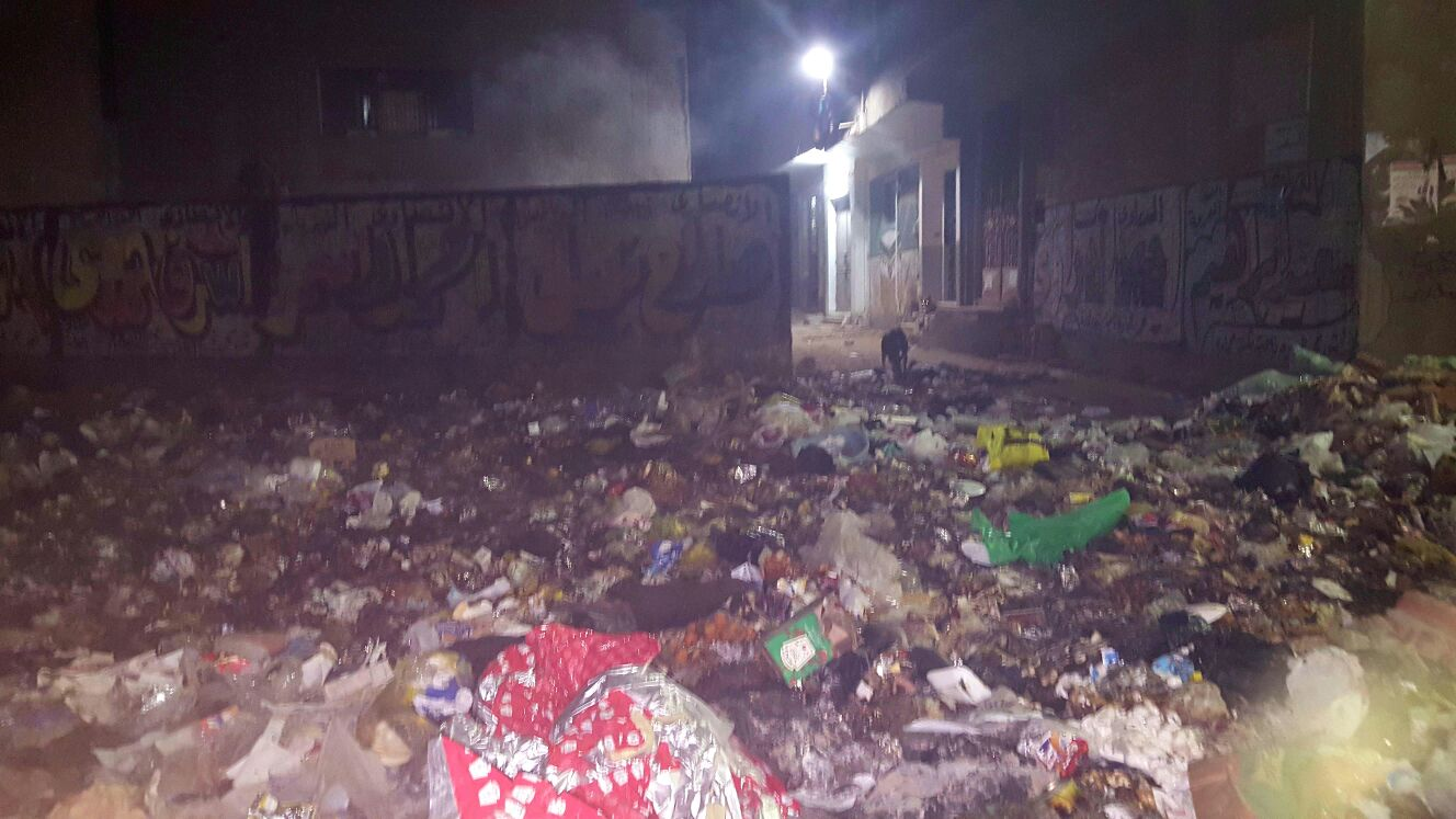 تفاقم مشكلة القمامة في أحد شوارع المرج