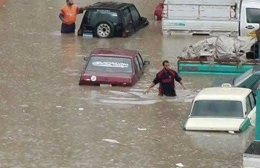 بالصور.. شوارع كفر الدوار تغرق في مياه الأمطار 📷