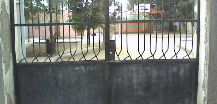 مستشفى جراجوس بقنا دون أطباء.. وأبوابه مُغلقة بعد 11:30 صباحًا