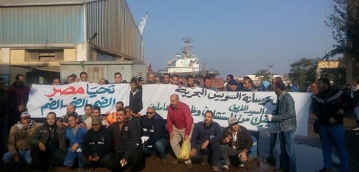 بالصور.. أسبوع على احتجاجات عمال قناة السويس.. ومطالب للرئيس بضمهم للهيئة