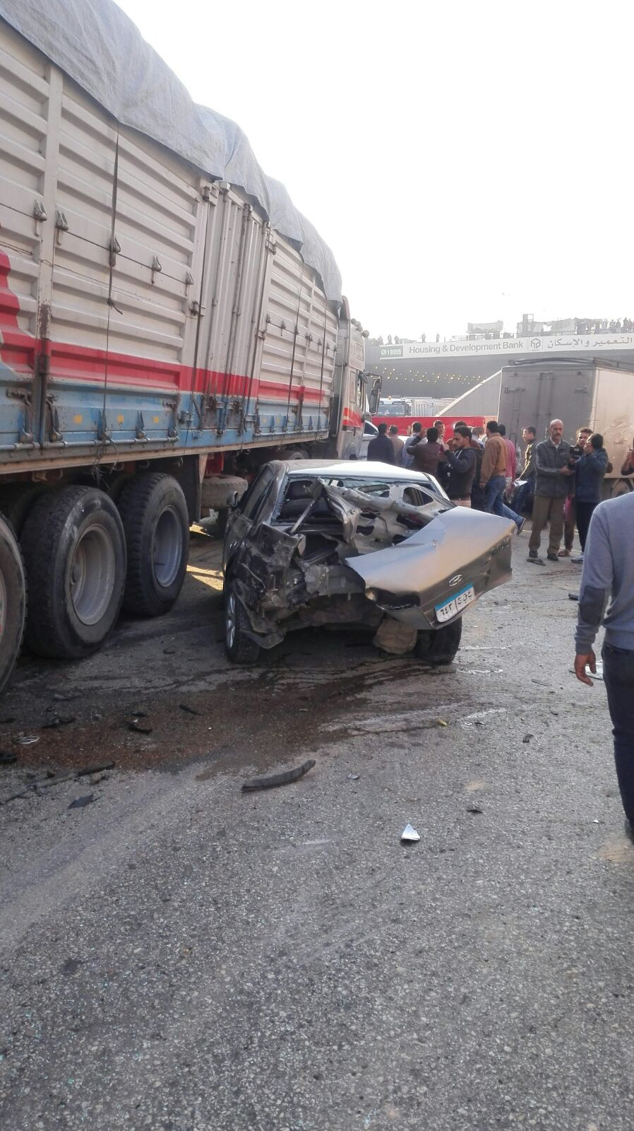 مرور.. «معجنة» للسيارات عَ الدائري في أول نفق السلام بعد حادث تصادم مروع