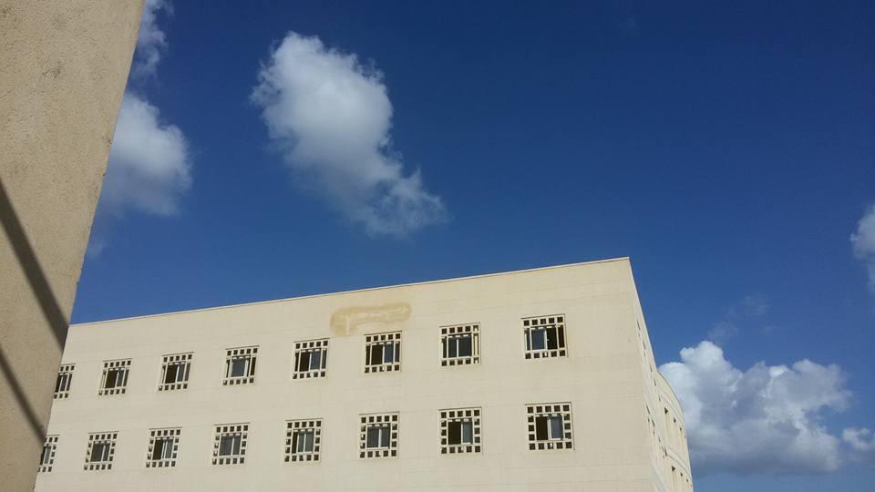المياه تضرب جدران مبنى كلية الآداب بجامعة المنصورة قبل افتتاحها