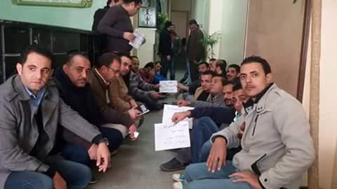 بالصور.. 20 يومًا على إضراب بتروتريد.. احتجاجات متواصلة وتوقيعات لحل نقابة البترول