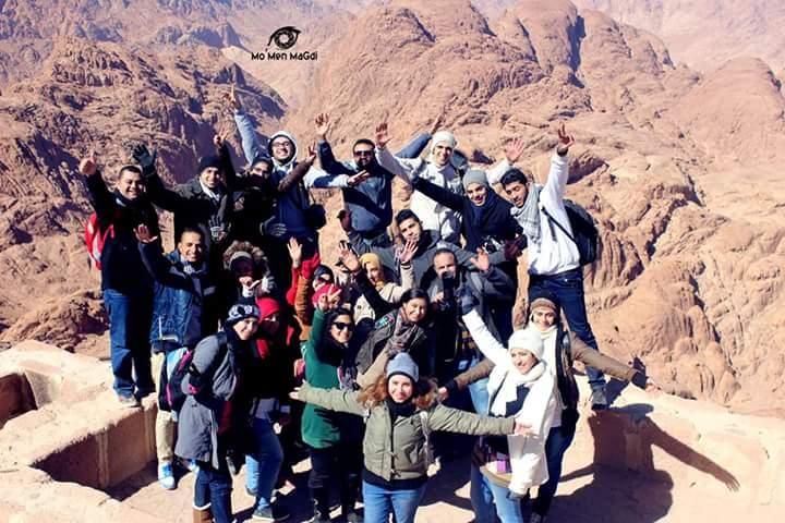 #اكتشف_مصر.. محمد نبيه يشاركنا صورته وأصدقائه على جبال سانت كاترين