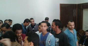 خريجون مع وقف التنفيذ.. 130 طالبًا ضحية خلاف بين أستاذ وعميد الجامعة العمالية