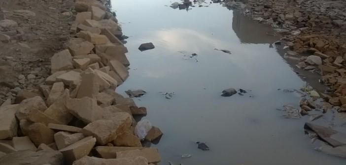 بالصور.. مياه الصرف تضرب شارع «فرخندة حسن» بالبساتين منذ 3 شهور