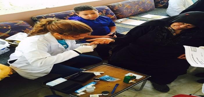 بالصور.. «عيش مبسوط بسكر مظبوط».. حملة توعية لطلاب «صيدلة دراية» بالمنيا