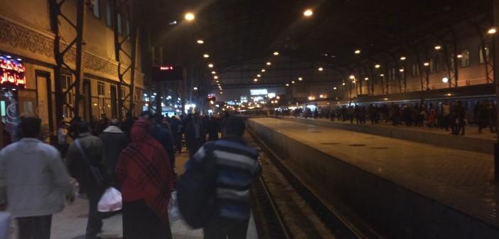 راكب يروي تجربته مع إهمال صيانة القطارات في رحلته من القاهرة لأسوان (صور)