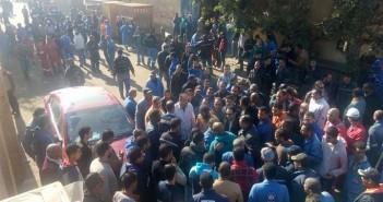 ثالث أيام اعتصام ترسانة السويس.. برلماني يزورهم والعمال: لا بديل عن «الضم»