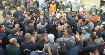 13 يومًا.. عمال معتصمون بشركات قناة السويس: نُهدد بالأمن الوطني