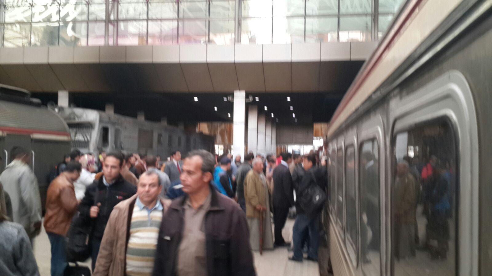 تجدد إضراب سائقي القطارات.. وتكدس الركاب في محطة مصر