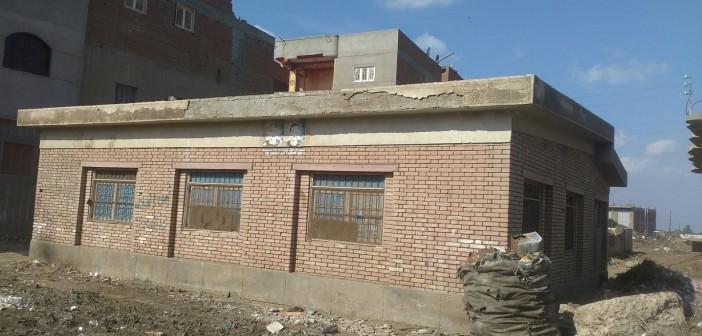 📷| أولياء أمور بإحدى قرى الغربية يطالبون بحل أزمة نقص المدرسين