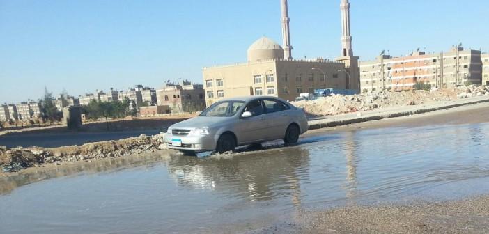 بالصور.. غرق شوارع بـ 6 أكتوبر في الصرف وسط تقاعس جهاز المدينة