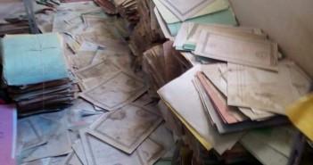 صور منسوبة لأرشيف التأمينات بالغردقة تُظهر فوضى حفظ ملفات الموظفين
