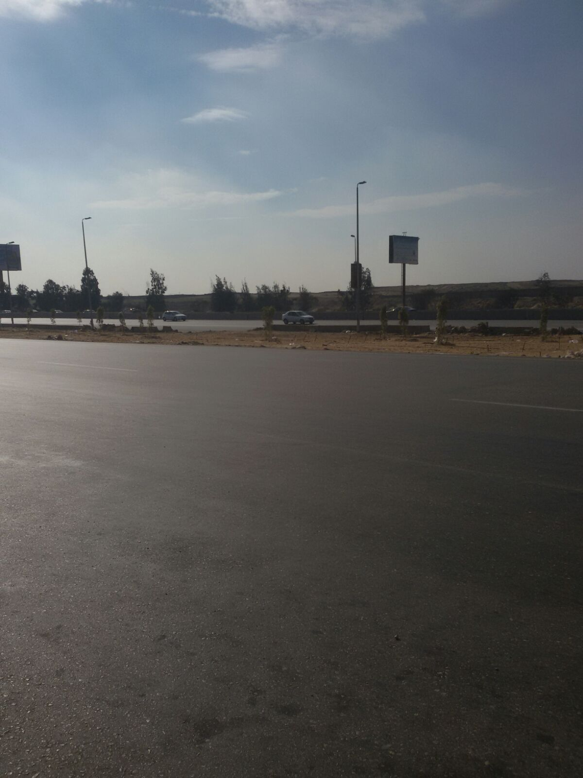 مواطن: عبور الدائري أمام كايرو فستيفال يعرضنا لخطر الموت يوميًا