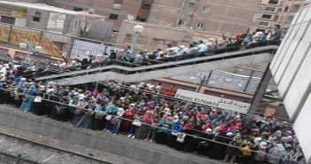 زحام مترو عزبة النخل