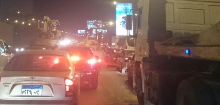 بالصور والفيديو.. توقف الحركة عَ الدائري.. واختناق مروري تام بالقاهرة