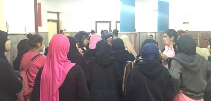 بالصور.. اعتصام طلاب مدرسة المتفوقين بالدقهلية: مدرسون ضربونا وهددونا