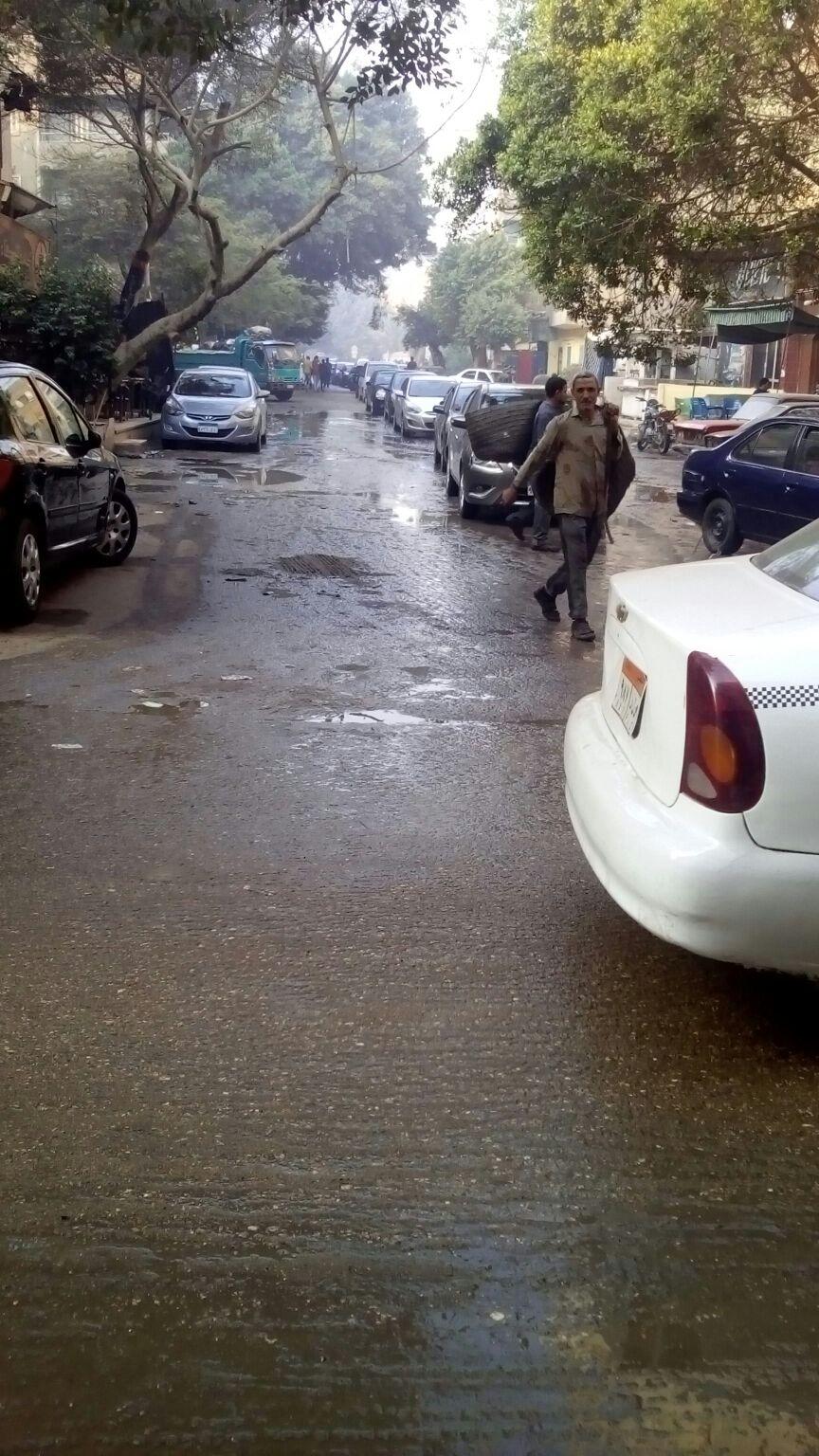 محافظ الجيزة يتجاهل إهدار مياه ماسورة انكسرت منذ 25 يومًا