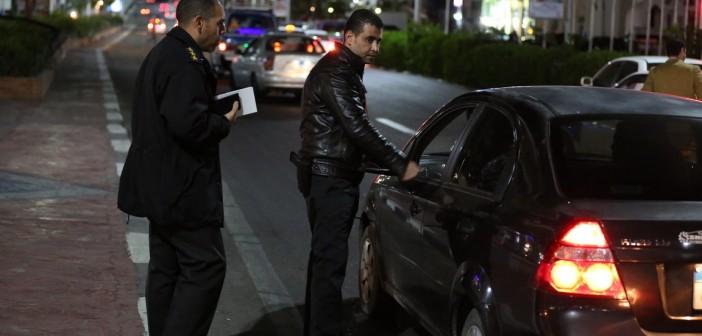 انتشار رجال المرور بشوارع شرم الشيخ استعدادًا للكريسماس
