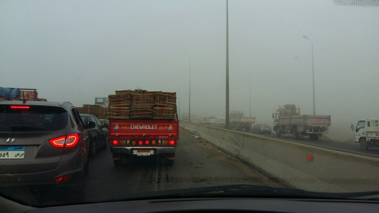 شبورة كثيفة على طريق مصر ـ الإسكندرية تعرقل حركة المرور