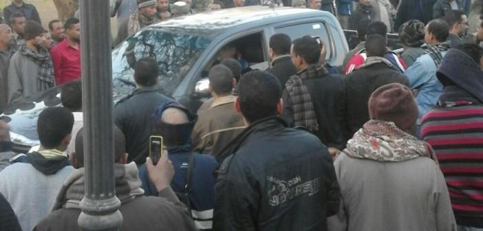 بالصور.. اعتصام عمال ألومنيوم نجع حمادي.. وحضور مدير أمن قنا وسكرتير المحافظ
