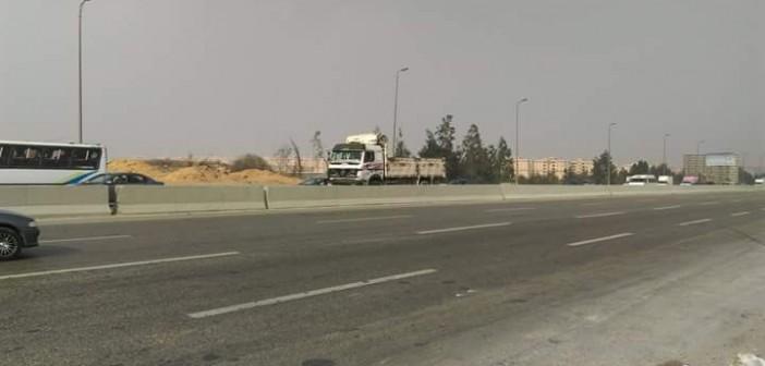 بالصور.. مواطن: عبور الدائري أمام كايرو فستيفال يعرضنا لخطر الموت يوميًا