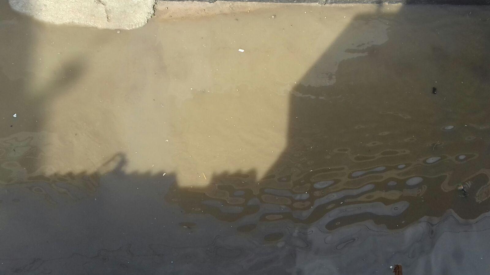 مياه الأمطار تغرق شوارع إدكو بالبحيرة