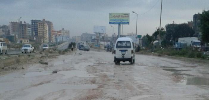 بالصور.. مواطنون يشكون تردي طريق الإسكندرية ـ مطروح على مدار 3 شهور