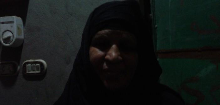 سيدة بالأقصر تتهم الأمن باعتقال ابنها عشوائيًا وتعذيبه قبل إحالته للمحاكمة