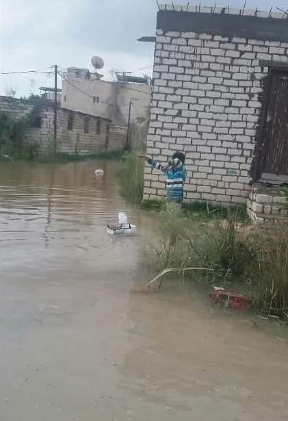 «أبو تلات» بالعجمي تغرق في الأمطار والمياه الجوفية منذ بدء الشتاء