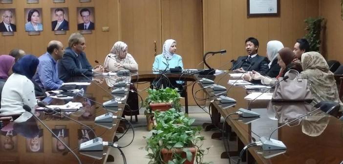 وفد من السفارة الماليزية يزور جامعة المنصورة لبحث أوضاع طلابها الوافدين