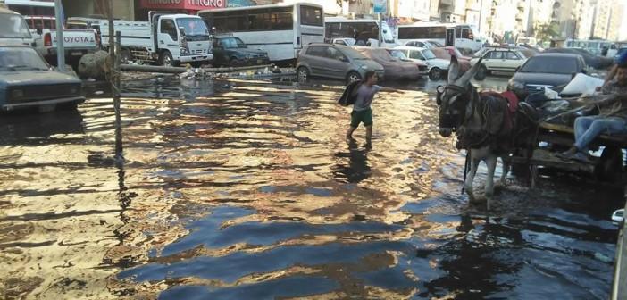 بالصور.. عيد شبرا الخيمة بين مطرقة الصرف الصحي وسندان أزمة العطش