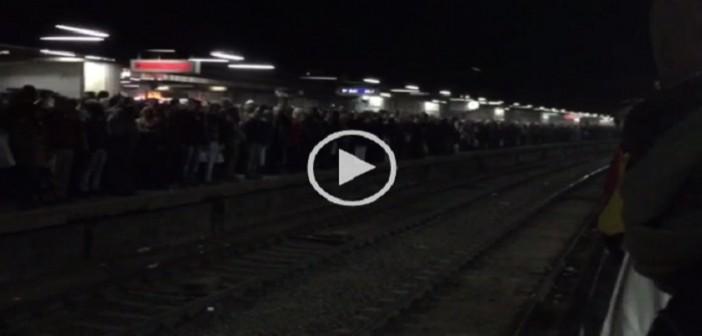 🚇 بالفيديو.. تكدس الركاب بمترو الشهداء لتواصل غلق محطة السادات
