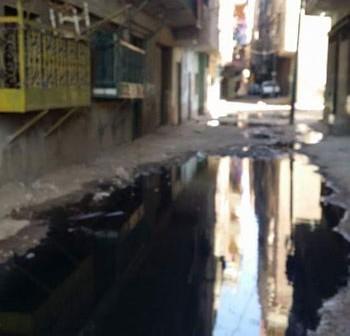 «ميت نما» تغرق في المجاري.. وافتقار القرية لشبكة صرف صحي