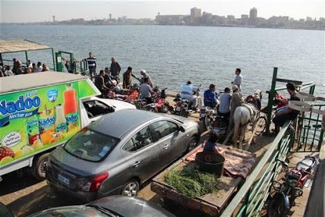بالصور.. مخاوف بالحوامدية من تكرر كارثة عبارة كفر الشيخ لغياب إجراءات السلامة