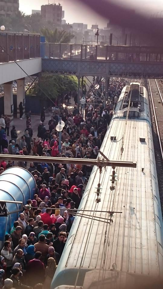 تعطل المترو بمحطة الدمرداش.. ورصيف تبادلي واحد للقطارات