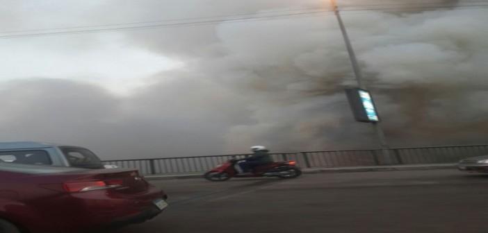 🔥 بالصور.. حريق على كورنيش المعادي أسفل الدائري.. وتصاعد سحب الدخان