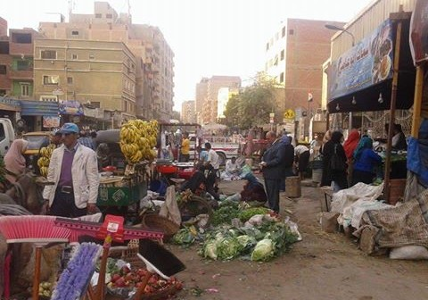 الجيزة| أهالي «كفر الجبل» يطالبون برفع تعديات المحلات على الشوارع