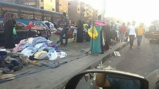 سكان الحي العاشر بزهراء مدينة نصر يشكون من فوضى الباعة الجائلين