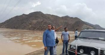 رئيس مجلس مدينة سفاجا يتابع رفع أثار السيول بمدينة سفاجا