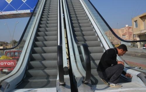 مواطنون لمحافظ الإسماعيلية: سلم كهربي لكوبري الثلاثيني أفضل من المصعد