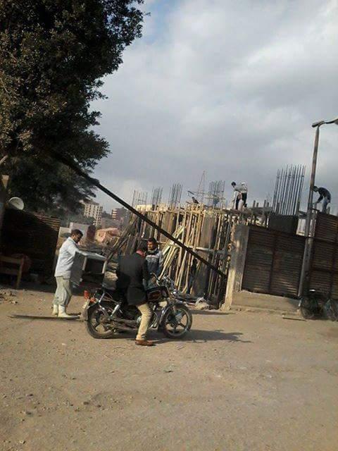 صورة.. مواطن يرصد عمليات بناء على أرض للأوقاف بمدينة السلام