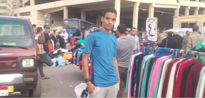 من بني سويف للعتبة.. بائع متجول يكتب قصته مع البلدية: «مفيش فرصة»