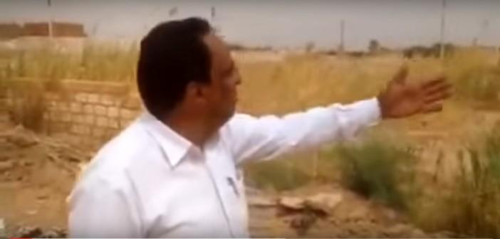 ▶️فيديو.. مواطن من واحة الداخلة: «مش عارفين نعيش.. المسؤولين أخدوا أراضي الشباب»